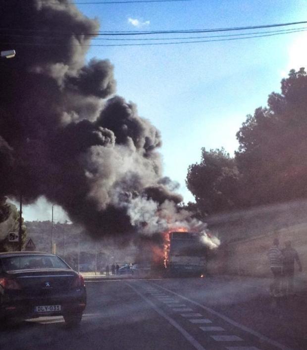 20140120 - bus fire