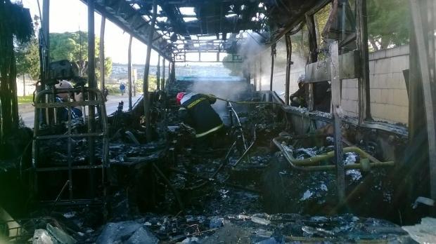 20140120 - bus fire3