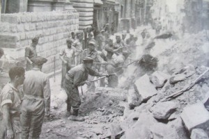 1942b