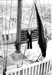 1942e