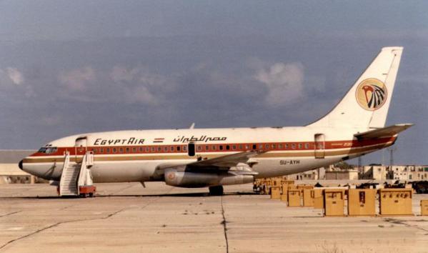 Egyptair_boeing_737_hijacked_luqa-2025_11_1985-5