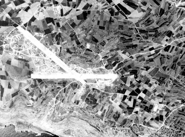 Qrendi_airfield_1942