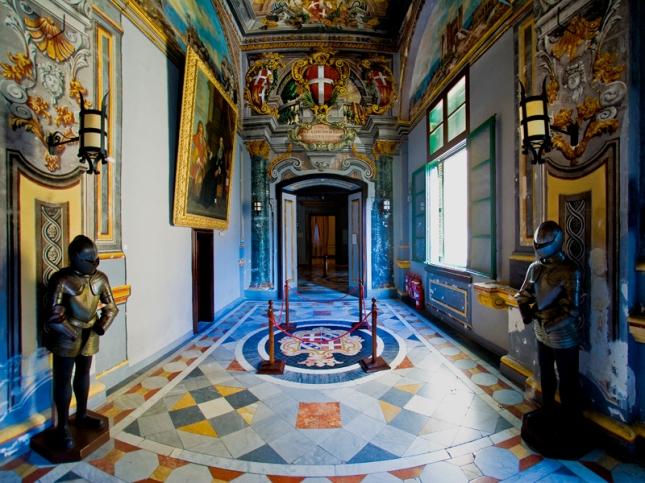 Interior1a